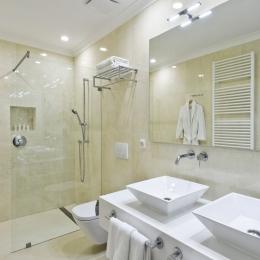 Adele Hotel - Apartman - fürdő