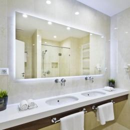 Adele Hotel - Lakosztály - mosdó