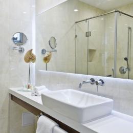 Adele Hotel - Standard szoba - mosdó